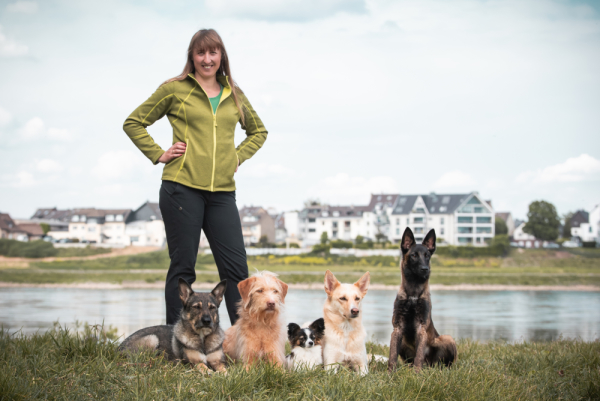 Kim-Laura Jung, Hundetrainerin